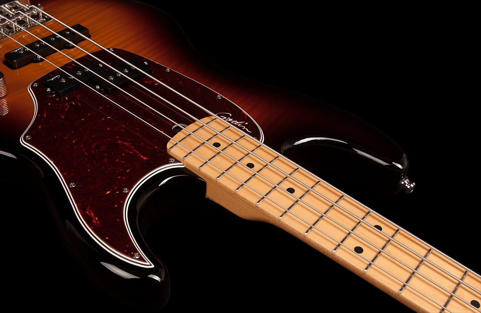 Godin 046928 Shifter Classic 4 String Bass Guitar - Vintage Burst HG MN  w/Bag - Acclaim Sound and Lighting Canada
