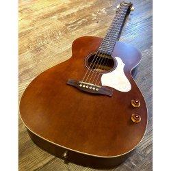 Art & Lutherie 047710 Legacy Q-Discrete Concert Hall 6 String RH Acoustic/Electric Guitar – Havana Brown