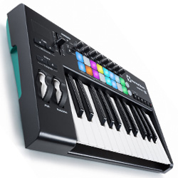 Novation Launchkey 25 MK2 25 Key Synth Style Velocity Sensitive MIDI Keyboard