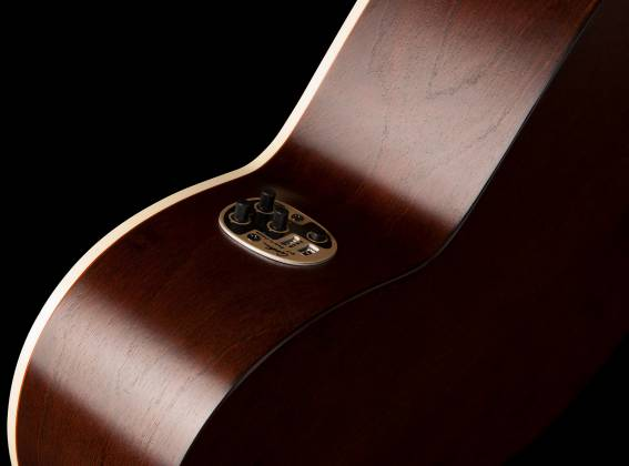 Art & Lutherie 042333 Legacy Bourbon Burst QIT 6 String RH Acoustic Electric Guitar 042333 Product Image 4