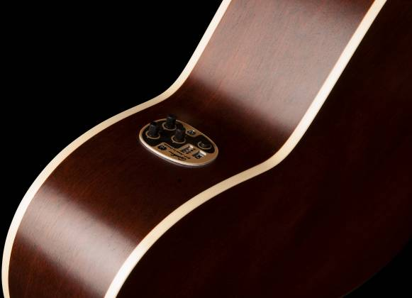 Art & Lutherie 042340 Legacy Bourbon Burst CW QIT Acoustic Electric 6 String RH Guitar 042340 Product Image 6