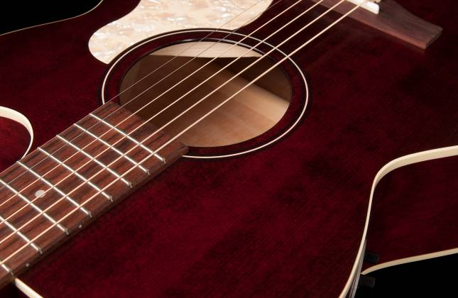 Art & Lutherie 042357 Legacy Tennessee Red CW QIT Acoustic Electric 6 String RH Guitar 042357 Product Image 7