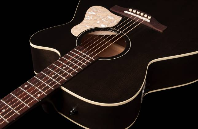 Art & Lutherie 042371 Legacy Faded Black CW QIT Acoustic Electric 6 String RH Guitar 042371 Product Image 7
