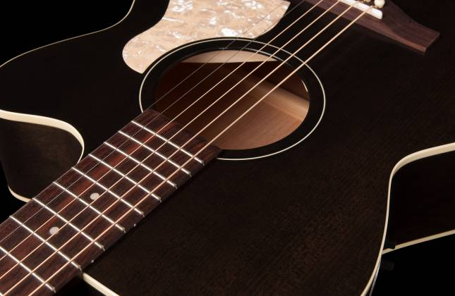 Art & Lutherie 042371 Legacy Faded Black CW QIT Acoustic Electric 6 String RH Guitar 042371 Product Image 6