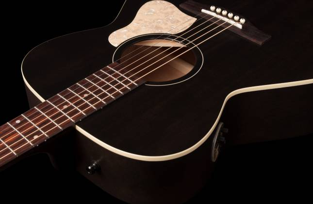 Art & Lutherie 042388 Legacy Faded Black QIT Acoustic Electric 6 String RH Guitar 042388 Product Image 7