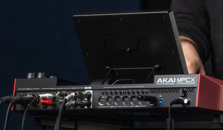 Akai MPCXXUS Stand Alone Music Production Center with Multi-Touch Screen and 16 Responsive RGB Pads akai-mpc-x-us Product Image 15