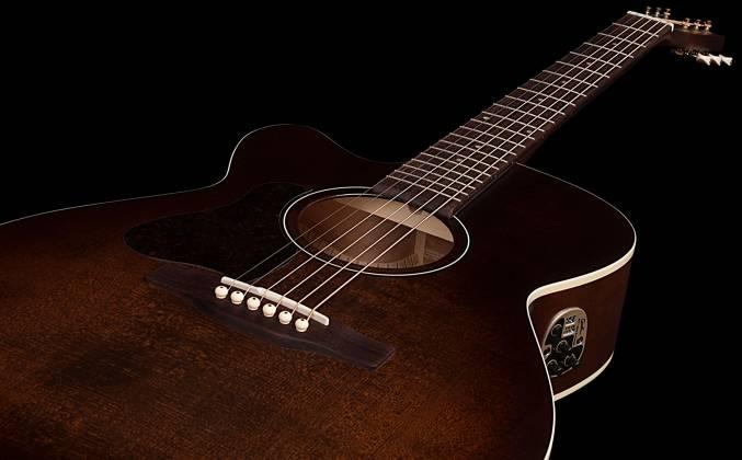 Art & Lutherie 042715 Legacy Bourbon Burst CW QIT 6 String LH Acoustic Electric Guitar 042715 Product Image 8