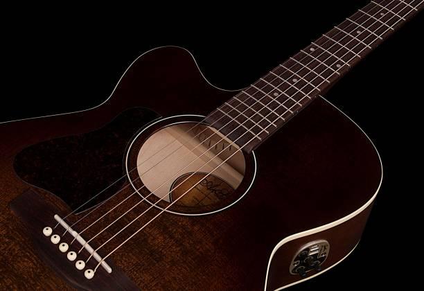 Art & Lutherie 042715 Legacy Bourbon Burst CW QIT 6 String LH Acoustic Electric Guitar 042715 Product Image 7