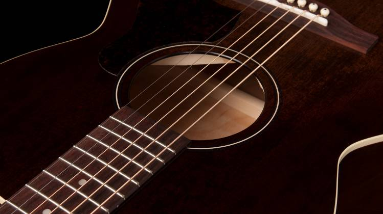 Art & Lutherie 045570 Concert Hall Legacy 6 String RH Acoustic Guitar – Bourbon Burst 045570 Product Image 4