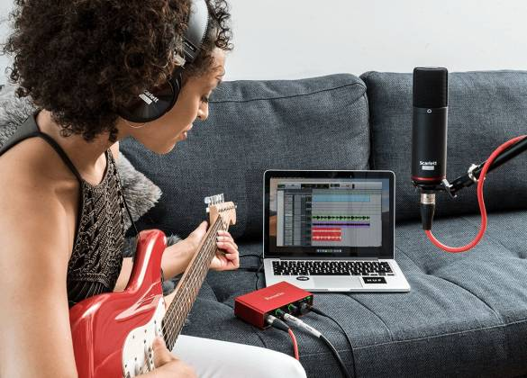 Focusrite ScarlettSolo-Studio 3 rd Gen Recording Bundle with Scarlet Solo and Accessories Product Image 9