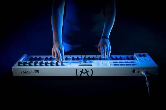Arturia KEYLABESSENTIAL49 Easy to Use 49 Key Keyboard Controller key-lab-essential-49 Product Image 13