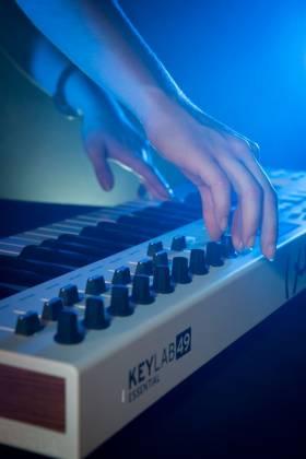 Arturia KEYLABESSENTIAL49 Easy to Use 49 Key Keyboard Controller key-lab-essential-49 Product Image 12
