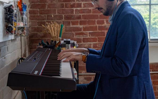 Alesis Concert 88-Key Digital Piano with Full-Sized Keys Product Image 9