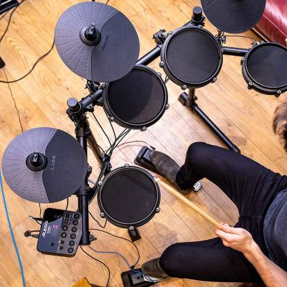 Alesis TURBOMESHKITXUS Electronic Drum Kit Seven-Piece with Mesh Heads turbo-mesh-kit Product Image 7