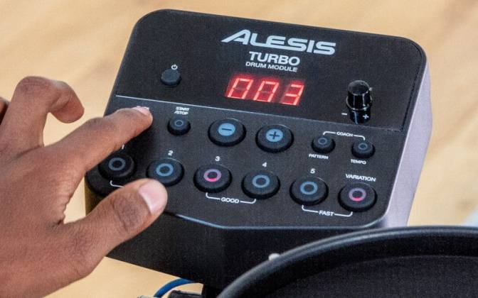 Alesis TURBOMESHKITXUS Electronic Drum Kit Seven-Piece with Mesh Heads turbo-mesh-kit Product Image 13
