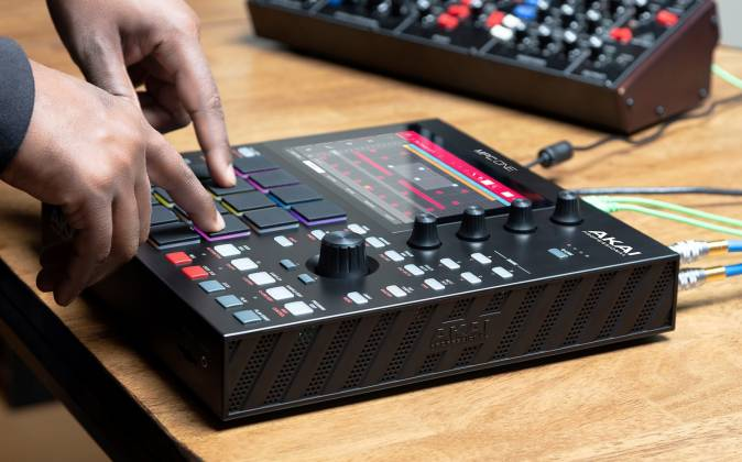Akai MPC One Standalone Music Production Center mpc-one-x-us Product Image 4