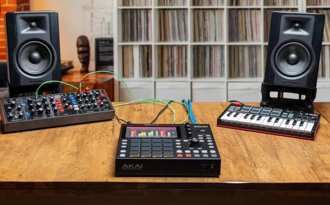 Akai MPC One Standalone Music Production Center mpc-one-x-us Product Image 3