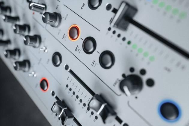 Allen & Heath XONE:96 6 Into 2 Club & DJ Analogue DJ Mixer with Audio Interface x-one-96 Product Image 16