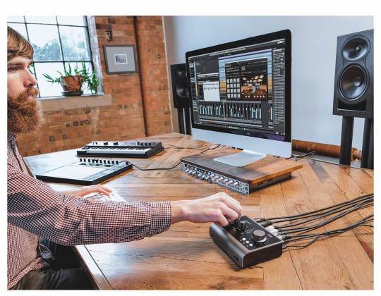 Audient iD14 Mk.II High Performance USB Audio Interface id-14-mk-2 Product Image 8