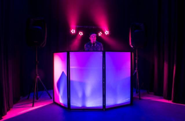 American DJ Event Facade II BL Black Frame Portable DJ Facade with Bag & Black/White Scrim Product Image 6