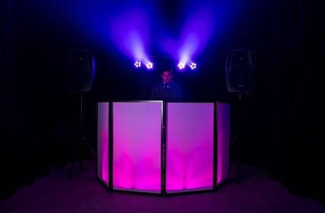 American DJ Event Facade II BL Black Frame Portable DJ Facade with Bag & Black/White Scrim Product Image 7