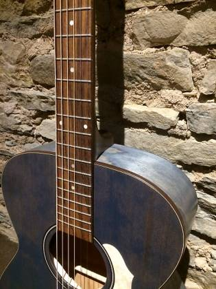 Art & Lutherie 047086 LEGACY Concert 6 String RH Acoustic Electric Guitar - Denim Blue Product Image 4