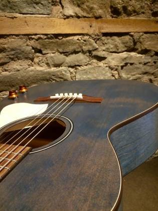 Art & Lutherie 047086 LEGACY Concert 6 String RH Acoustic Electric Guitar - Denim Blue Product Image 6