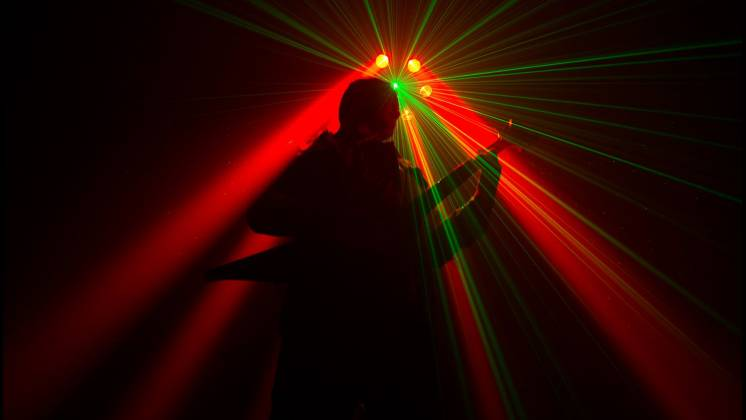 Chauvet DJ Helicopter Q6 Multi-Effect Moving Head Light with Strobe and Red Green Laser  Product Image 4