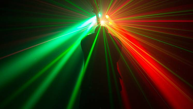 Chauvet DJ Helicopter Q6 Multi-Effect Moving Head Light with Strobe and Red Green Laser  Product Image 8