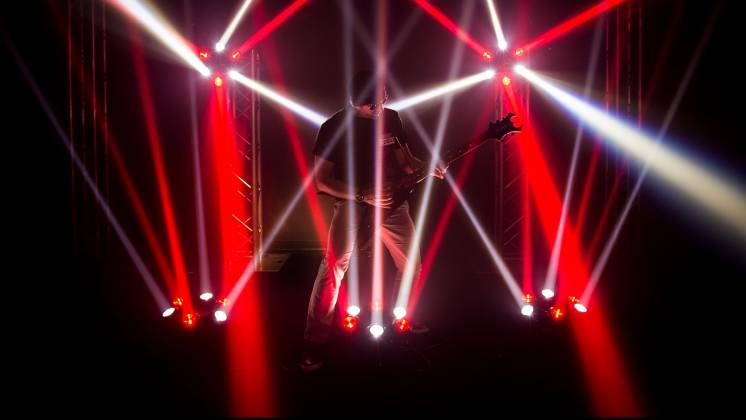 Chauvet DJ Helicopter Q6 Multi-Effect Moving Head Light with Strobe and Red Green Laser  Product Image 11