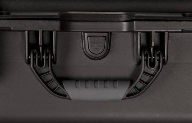 Gator GU-1711-06-WPDF Waterproof Utility Case Diced Foam Interior 17x11.8x6.4 inches Product Image 4
