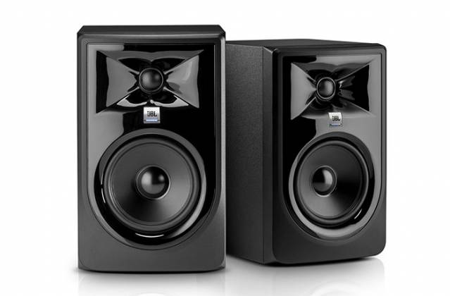 "JBL 305P MKII Powered 5"" Two-Way Studio Monitor Product Image 4"
