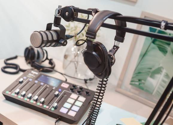 Rode Pod Mic Dynamic Cardioid XLR Mic Perfect for Podcasting pod-mic Product Image 7