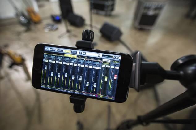 Soundcraft Ui24 Remote-controlled Digital Mixer