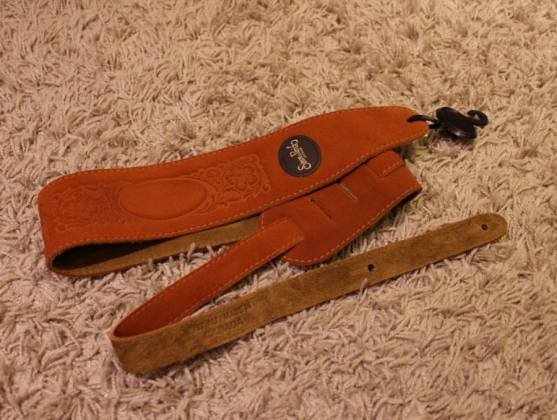 Simon & Patrick 037322 Rust Western Suede w/Patch Logo Guitar Strap Product Image 7