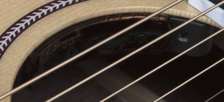 Seagull 047772 Artist Studio CH HG EQ 6 String RH Acoustic Electric Guitar w Tric Case Product Image 9