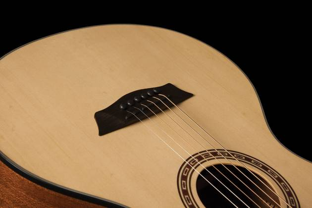 Washburn AGM5K-A Apprentice Series G-Mini 5 Style RH 6-String Acoustic Guitar with Gigbag Product Image 8