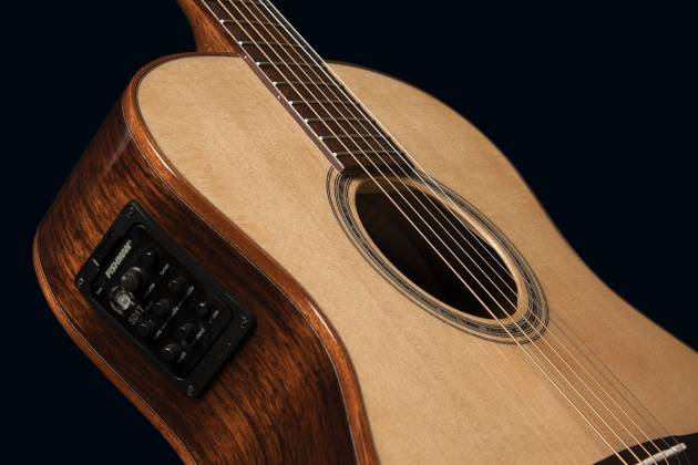 Washburn WCG700SWEK-D Comfort Series Grand Auditorium Cutaway RH 6-String Acoustic Electric Guitar-Natural Gloss Finish with Hard Case Product Image 3