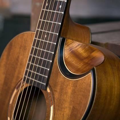 Washburn WCGM55K-D Comfort Series G-Mini 55 Koa 6-string RH Cutaway Acoustic Guitar-Natural satin Finish with Gigbag Product Image 4