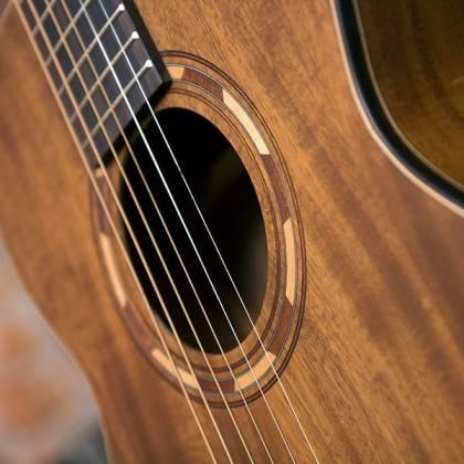 Washburn WCGM55K-D Comfort Series G-Mini 55 Koa 6-string RH Cutaway Acoustic Guitar-Natural satin Finish with Gigbag Product Image 7